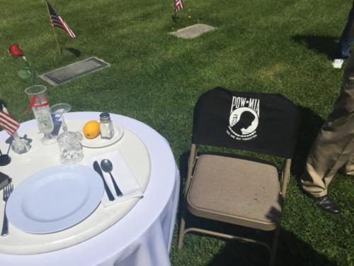 Pow Mia table and chair